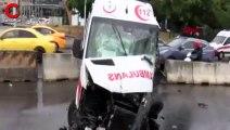 Ataşehir D-100 Karayolu'nda ambulans kaza yaptı