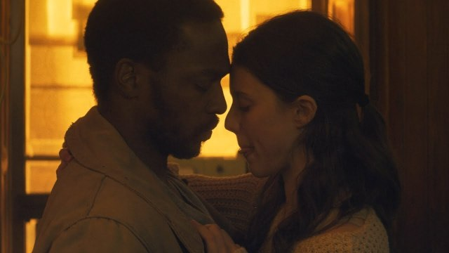 IO / Kiss Scene (Anthony Mackie and Margaret Qualley)