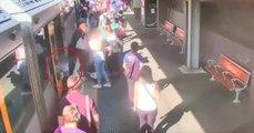 Un petit garçon chute entre le train et le quai: la vidéo fait froid dans le dos