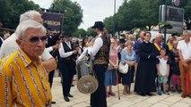 Les musiciens du Condor inaugurent le mémorial de la Terreur à Orange