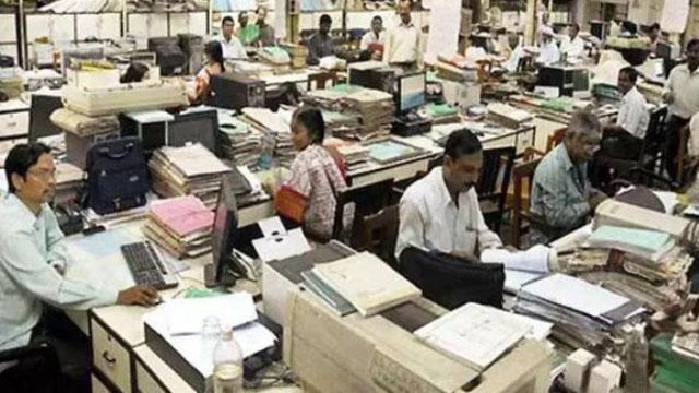 Narendra Modi Government छीन लेगी निकम्मे Government Officers की Jobs | वनइंडिया हिंदी