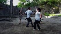 Danza nei parchi al tramonto a Pyongyang
