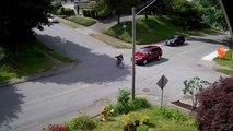 Un cycliste grille un stop et se fait percuter par une voiture