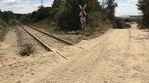Des rails ensevelis sous du sable à Tertre: un déraillement évité de peu