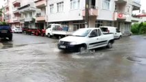 Şarköy'de sağanak yağış sonrası yollar göle döndü