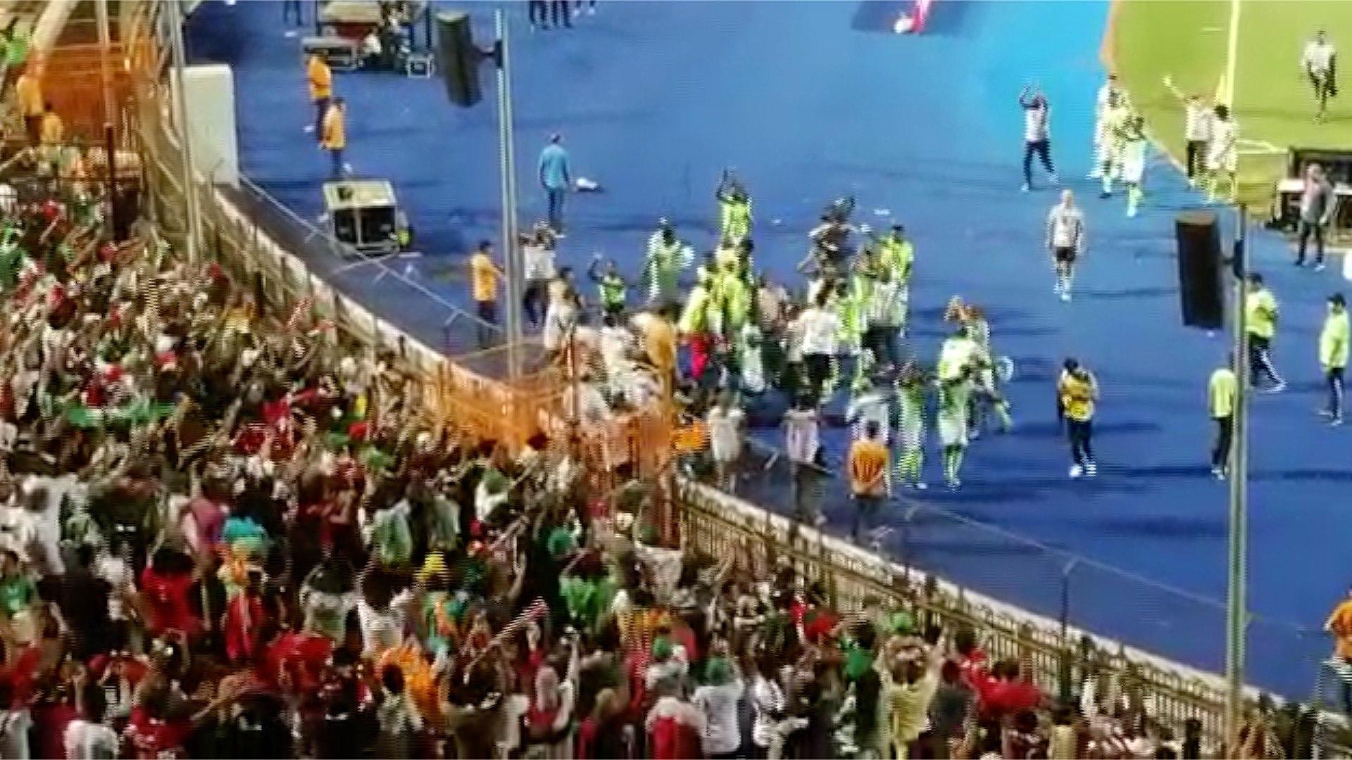 رقص لاعبي نيجيريا احتفالا بالتأهل للمربع الذهبي على حساب جنوب أفريقيا