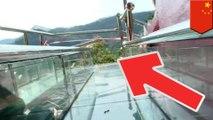 ガラスの滑り台が崩落し7人死傷 中国 - トモニュース