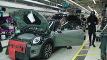 Produktion des MINI Electric im MINI Werk Oxford Montage
