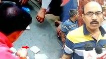 इटावा जेल से दो कैदी दीवार फांदकर भाग गए और अब अंदर जुआ खेलने का वीडियो हुआ वायरल