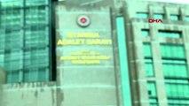 SPOR Galatasaraylı taraftarlar yönetime destek için adliyede