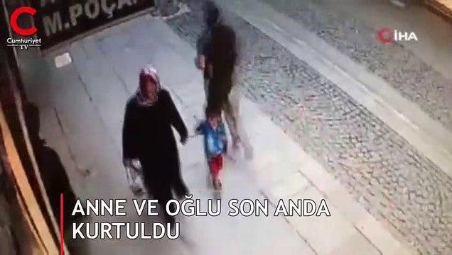 Anne ve oğlu son anda kurtuldu