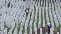Srebrenitsa Soykırımı'nın 24. yıl dönümünde 33 naaş daha toprağa verildi