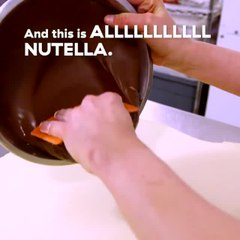 This Nutella-Stuffed Bread Is Arguably New York's Most Iconic Dessert