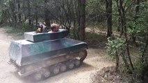 Bataille de tanks au parc de Bergault en Mayenne