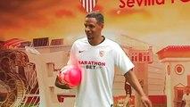 El Sevilla presenta al centrocampista brasileño Fernando