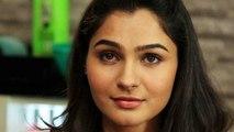 Andreah is bold beautiful(Tamil)