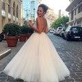 الفاشينيستا غنى غندور تستعرض فستانها الأبيض المنفوش في حفل بياف