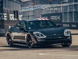 La Porsche Taycan fait le show à New York !