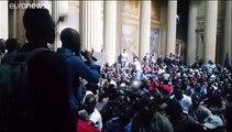 Los chalecos negros piden papeles para los inmigrantes