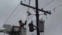 Recovery underway as crew workers begin restoring power