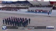 """""""O Douce France """" de Jean-Edmond Lamaze résonne devant la tribune présidentielle en clôture du défilé"""