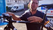 Les mécanos d'AG2R La Mondiale, dans les coulisses du Tour : le réglage des vélos