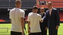 Felipe VI con el Valencia CF para celebrar su centenario