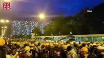Hong Kong'da protestocular banliyöye indi