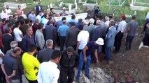 Barajda boğulan kardeşler yan yana defnedildi