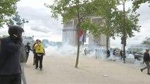 Parata del 14 luglio: scontro tra manifestanti e polizia a Parigi