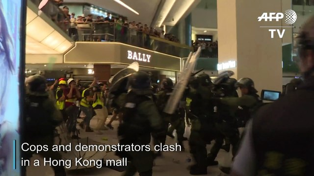 Police, protesters clash inside mall in latest Hong Kong anti-extradition march