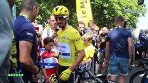 """Tour de France 2019 - Julian Alaphilippe, à Saint-Flour ce lundi, kiffe : """"Ça fait plaisir !"""""""