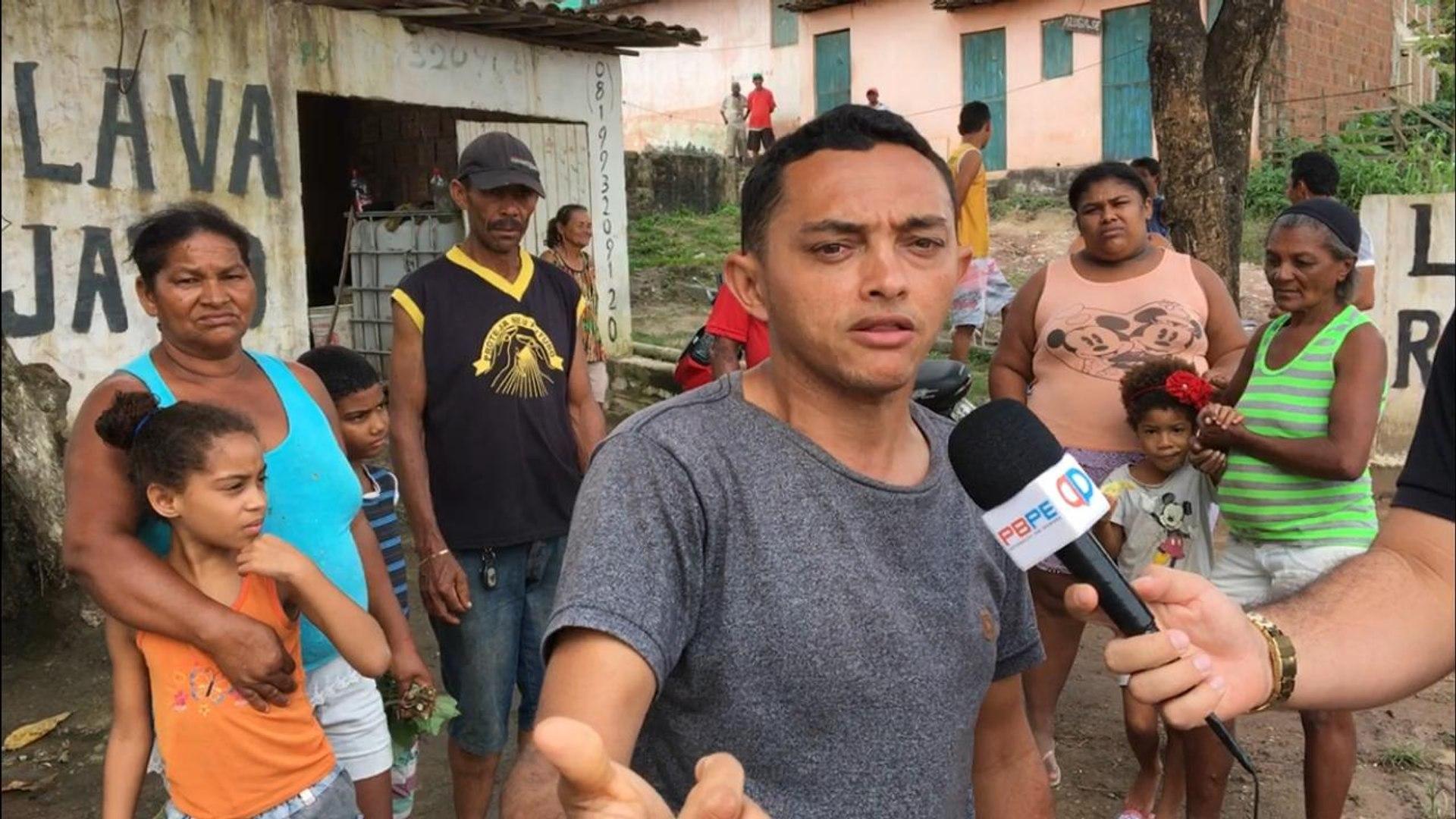 Moradores do bairro da Salgadeira em Itambé denunciam esgoto a céu aberto