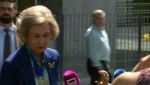 Doña Sofía acude al hospital para visitar a don Juan Carlos