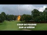 Deux éclairs foudroient des arbres en plein milieu d'un tournoi de golf