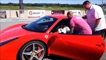 A 87 ans, elle  pilote une Ferrari sur le circuit de Bresse