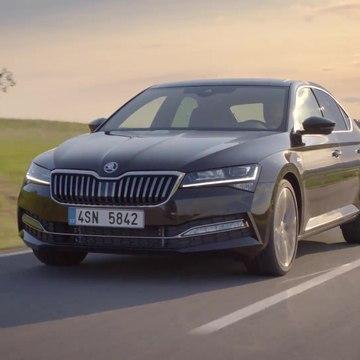 Škoda Superb Laurin & Klement Driving Video