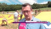 Une banderolle XXL pour le Tour de France