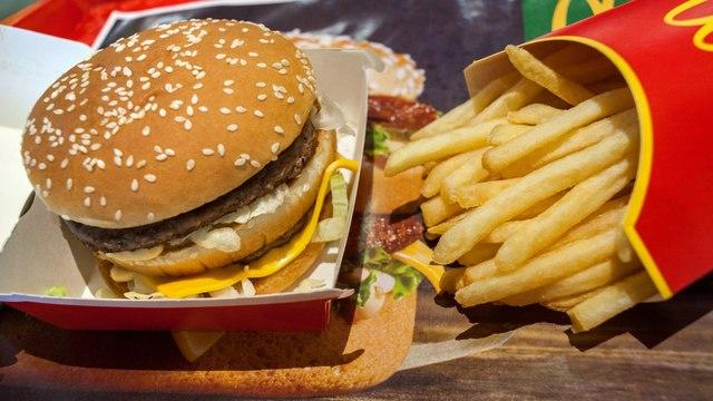 The Price of a Big Mac Indicates Strength of U.S. Dollar in 'Burgernomics'