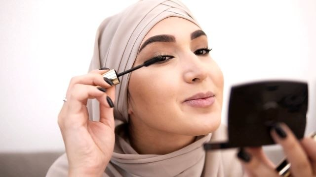 The Best Summer Makeup Tips, According to Makeup Artists