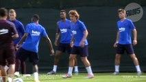Pour son premier entraînement au Barça, Griezmann prend 2 petits ponts !