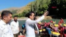 VAN Çatak'ta 15 Temmuz şehitleri için rafting gösterisi yapıldı