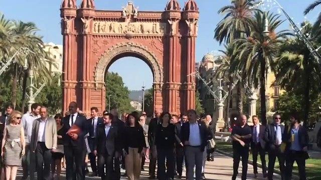 Torrá arropa a Buch en su llegada al TSJ de Cataluña