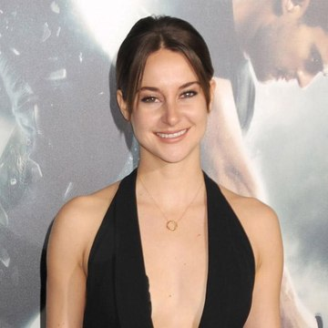 Shailene Woodley uses flip phone as a 'social experiment'