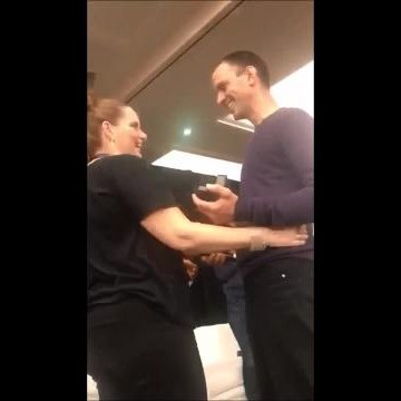 Gavin Holloway proposes to Vicki Thorne at the One Tree Hill Convention