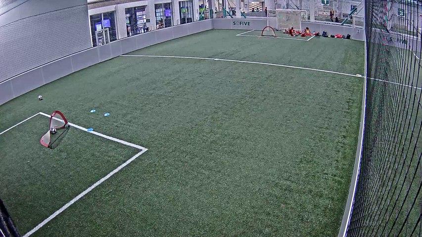 07/18/2019 18:00:01 - Sofive Soccer Centers Brooklyn - Santiago Bernabeu