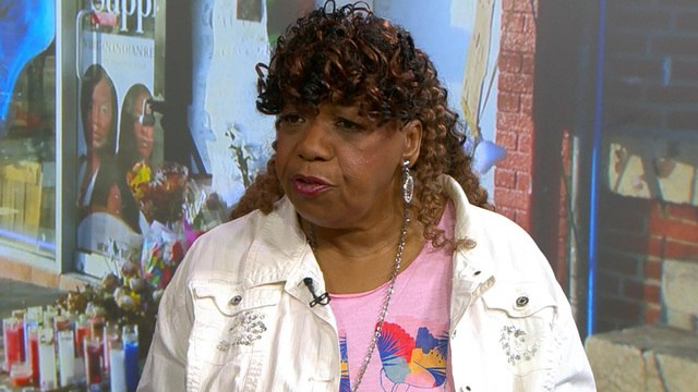 Eric Garner's mother calls for officer to be fired