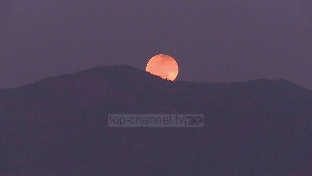 Nderimi i hënës. Eklips në 50 vjetorin e 'Apollo 11' - Top Channel - News - Lajme