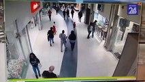 Il neutralise un voleur dans un centre commercial façon kung fu