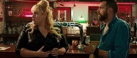 Le Coup du Siècle - Extrait du film -La robe sac poubelle